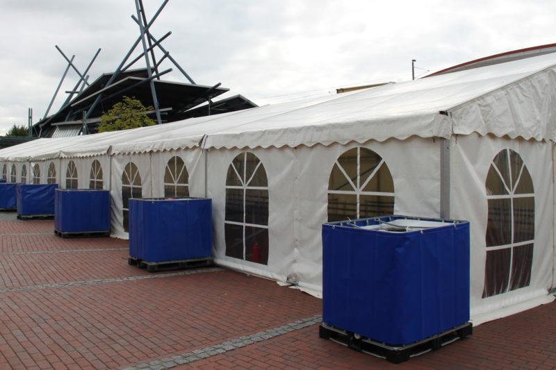 Zelte vor dem CentrO